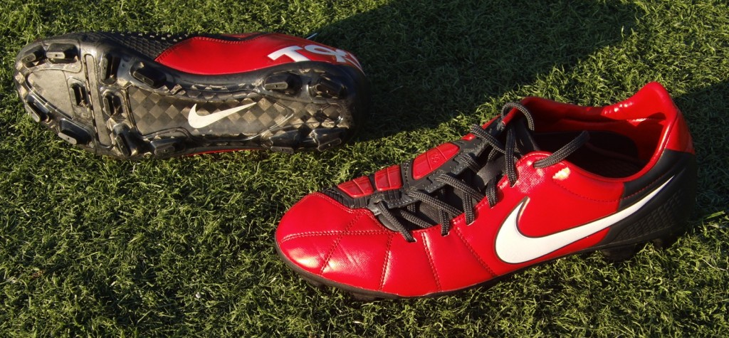 Nike Total 90 Laser III Elite Review | Soccer Cleats 101