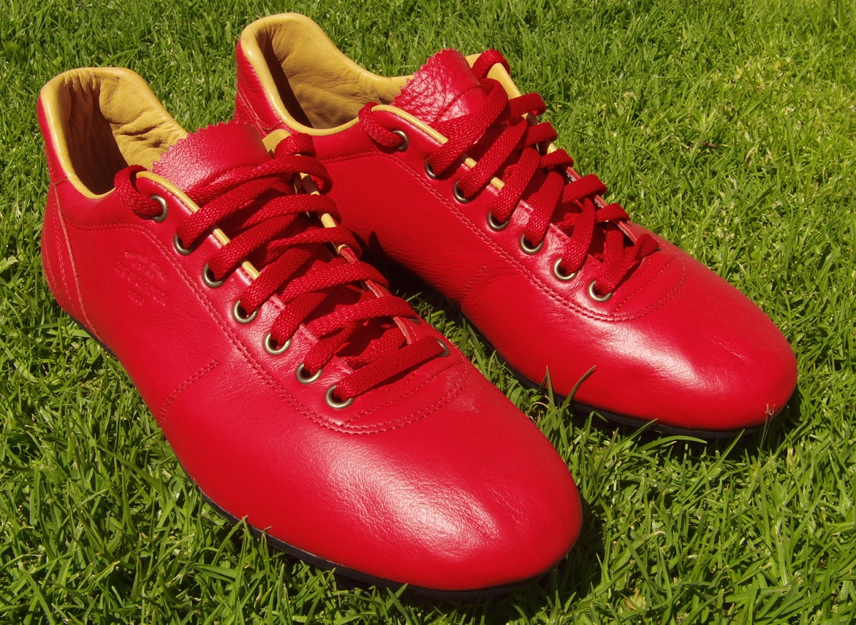 Pantofola d'Oro are an Italian company whose heritage dates back to 1886 ...