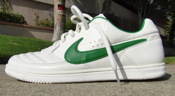 Nike5 Gato Street Side