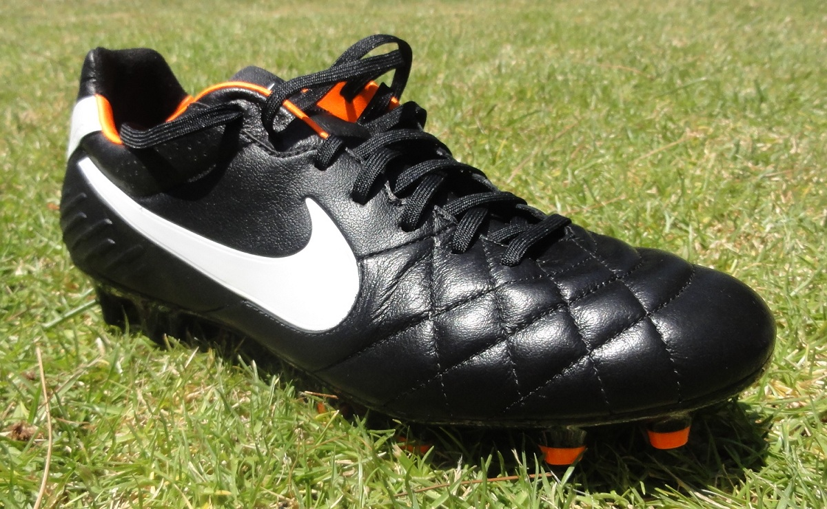 Nike Tiempo Legend IV Review | Soccer Cleats 101