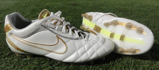 Nike Tiempo Flight Cleats