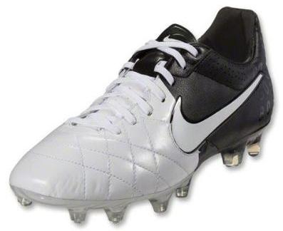 empresario Lavandería a monedas Línea del sitio  Clash Collection - Nike Tiempo Legend IV | Soccer Cleats 101