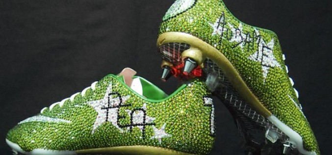 Who Wants A Pair Of Swarovski Crystal-Encrusted Nike Vapor?