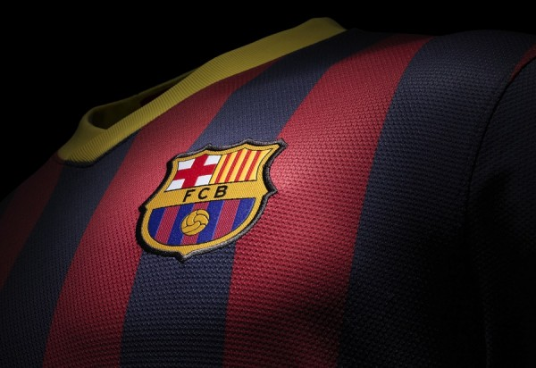 Barca Home Jersey detailing