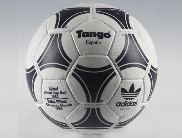 1982 Tango Espana ball