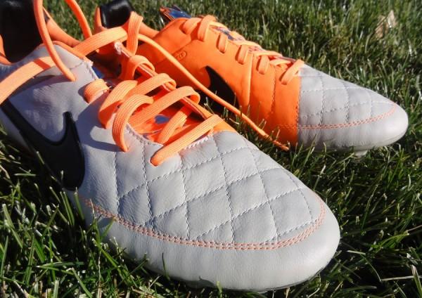 Nike Tiempo V Leather Upper