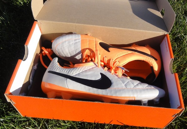 Nike Tiempo V Unboxing