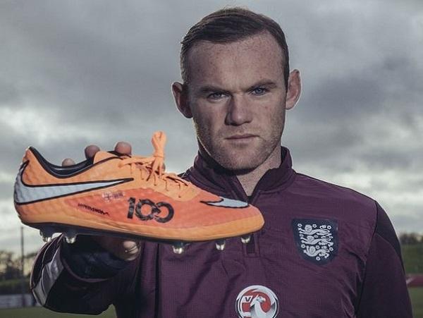 Rooney in Hypervenom