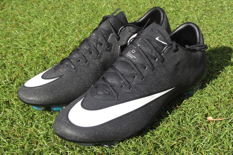 best website 3b2ed e25db Up Close: Nike Mercurial Vapor X CR and Its Shimmer Effect ...