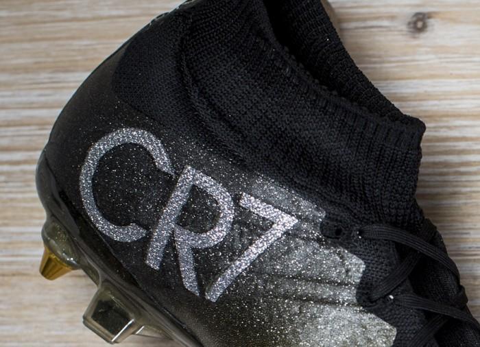 CR7 Logo on Superfly