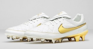 Nike Football Ronaldinho Tiempo Limited Edition