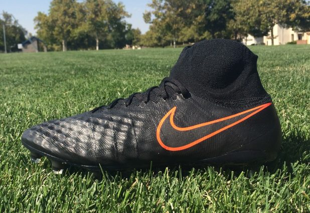 Pitch Dark Nike Magista Obra 2