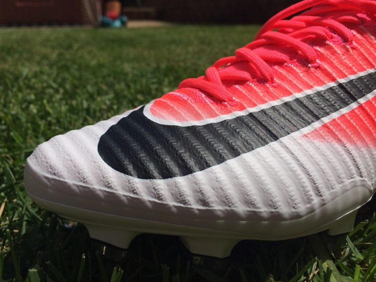Mercurial Superfly V Racer Pink Speed Ribs