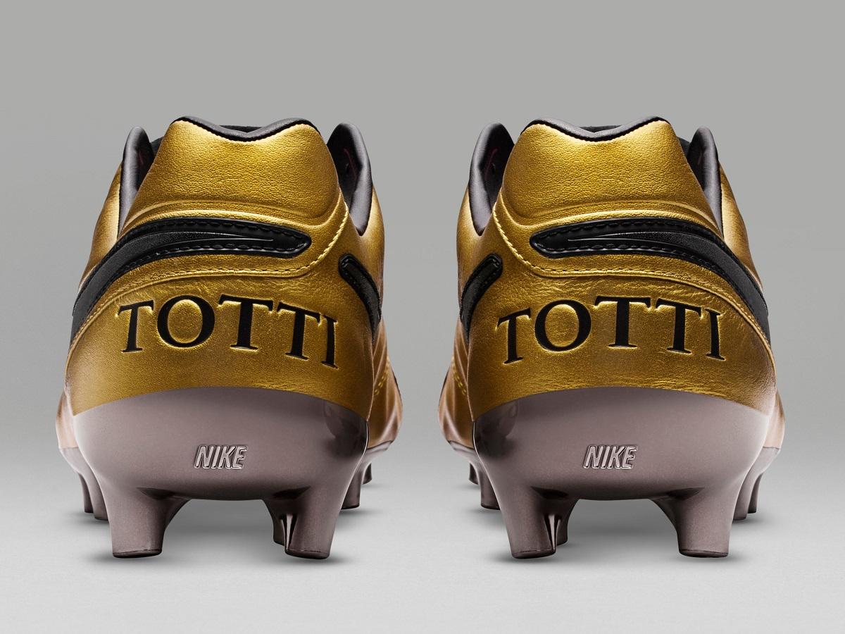 6b80399d0 Nike Tiempo Legend Totti Gold. Nike Totti Roma Boots Heel