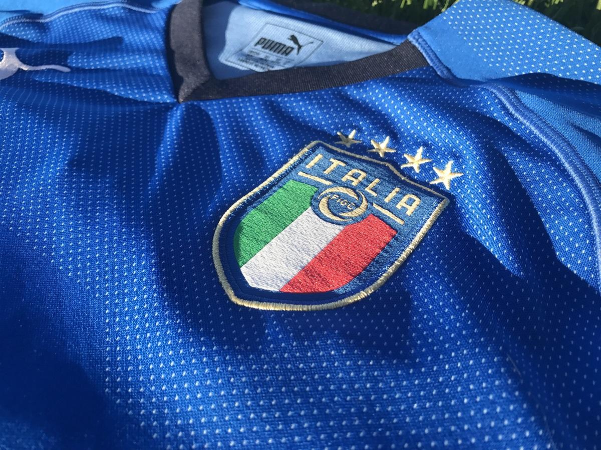 KITS + JERSEYS - Italy Home 2018