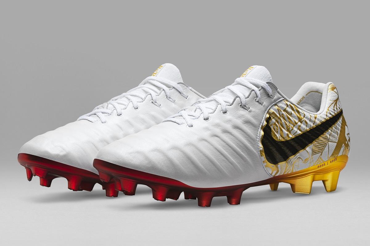 Buy Sergio Ramos Signature Nike Tiempo Legend Released