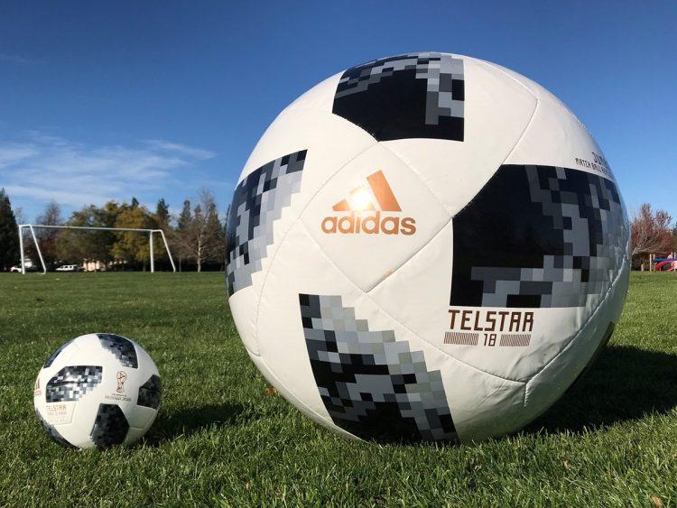 adidas Telstar18 Jumbo Ball