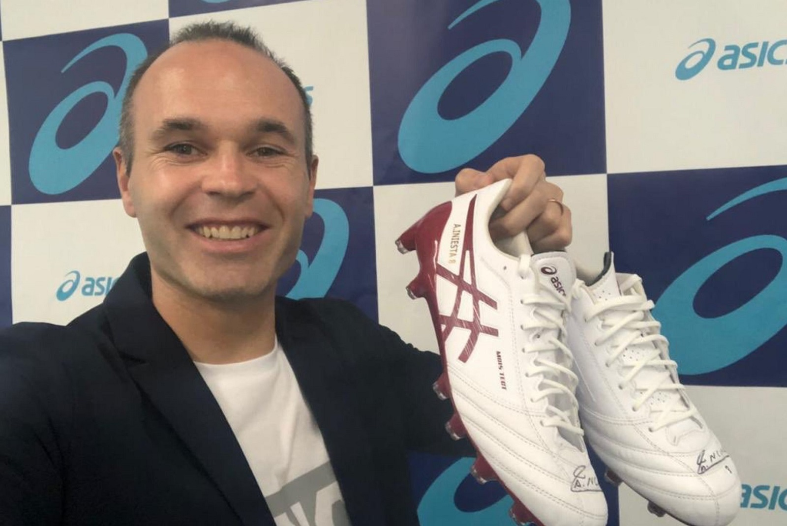 Iniesta Asics Boots   Soccer Cleats 101