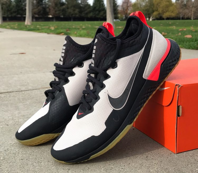 Nike FC React Lifestyle Performance